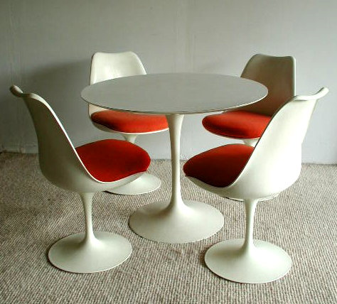 Vintage Knoll Saarinen Dining Set